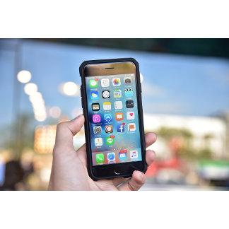 ELECTRONICS: iPhone, iPad, LifeProof, Samsung
