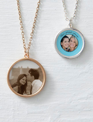 Personalise Jewellery at Zazzle
