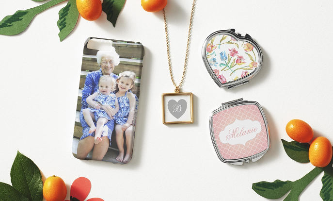 Browse through our beautiful selection of Mother's Day gifts, such as these [descriptor] [product].		Browse through our beautiful selection of Mother's Day gifts, such as these photo necklaces, cases and compact mirrors.