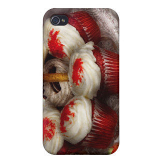 Sweet - Cupcake - Red velvet cupcakes iPhone 4/4S Cases