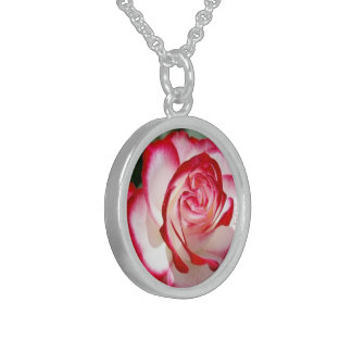 Sweet Rose, Small Sterling Silver Round Necklace