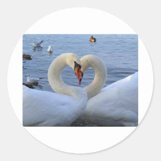 Sweetheart swans round sticker
