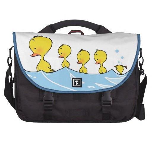 Swimming duck family laptop bag