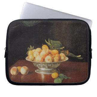 T32176 Still Life of Peaches, c.1700 Laptop Sleeve