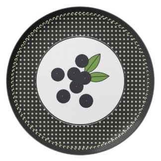 Table-Statements_Dots_Berries_(c)-Everyday_Plates Party Plates