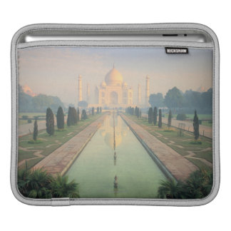 Taj Mahal, Agra, India 2 iPad Sleeve