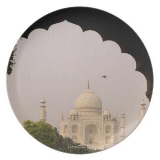 Taj Mahal, Agra, Uttar Pradesh, India 2 Dinner Plates