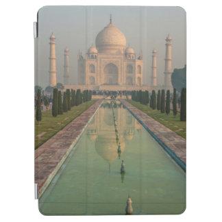 Taj Mahal, Agra, Uttar Pradesh, India iPad Air Cover