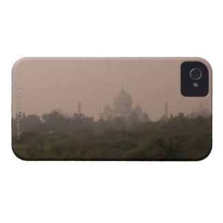 Taj Mahal, Agra, Uttar Pradesh, India iPhone 4 Case
