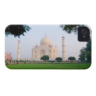 Taj Mahal at sunrise one of the wonders of the iPhone 4 Case-Mate Cases