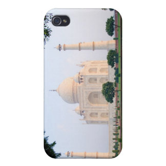 Taj Mahal at sunrise one of the wonders of the iPhone 4 Cover