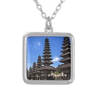 Taking man Ayun Temple, Bali