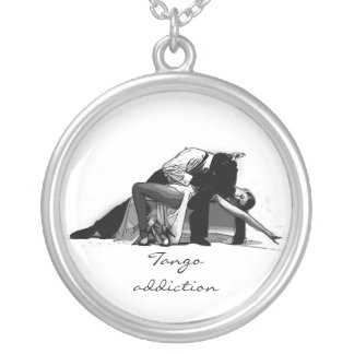 TANGO ADDICTION ROUND PENDANT NECKLACE