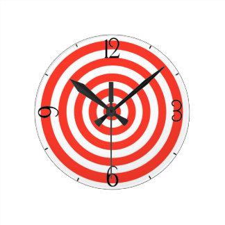 Target Round Clock