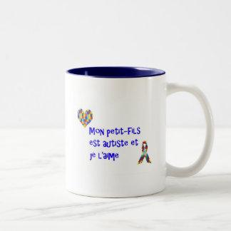 Tasse Mon petit-fils est autiste et je l'aime Two-Tone Coffee Mug