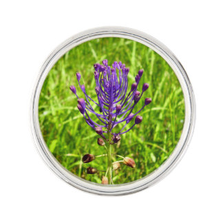 Tassel-Hyacinth Lapel Pin