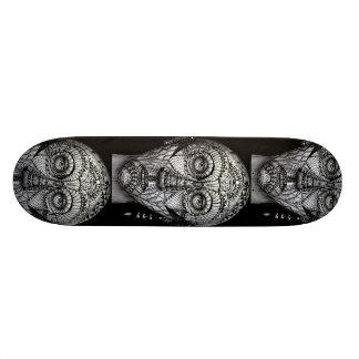 Tattoo man skateboard