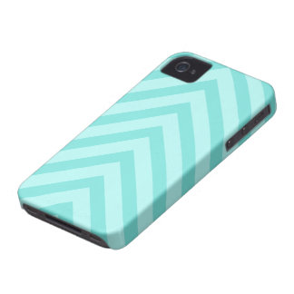 Teal or aqua chevron pattern arrows iPhone 4 case