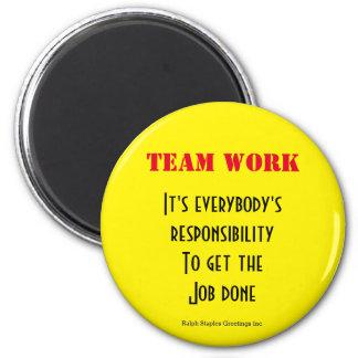 Team work 6 cm round magnet