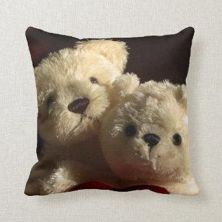 Teddy bears in love cushion