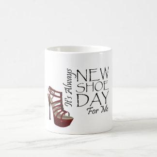 TEE New Shoe Day Basic White Mug