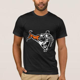 tee-shirt defence malinois T-Shirt