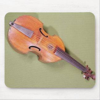 Tenor viol, 1667 mouse mat
