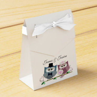 Tent Favor Box with Wedding Owls Art
