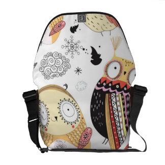 Texture funny owl commuter bag