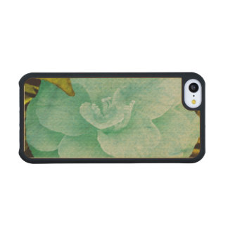 Textured Flower Carved® Maple iPhone 5C Case