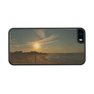Textured Sunset Carved® Maple iPhone 5 Case
