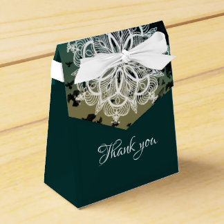 Thank you lace rosette on flying doves favour box