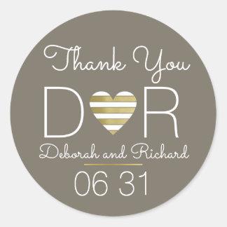 thank you . love heart . romantic wedding favor round sticker