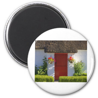 Thatched Cottage 6 Cm Round Magnet