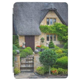 Thatched roof cottage iPad air cover