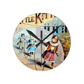 The 3 Little Kittens, Unknown artist Round Clock