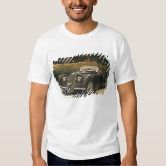 The Alfa Romeo 8C 2900B is a very rare and very Tshirt