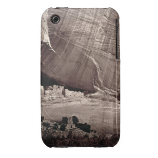 The Ancient Ruins of the Canyon de Chelle, 1873 (a iPhone 3 Case-Mate Case