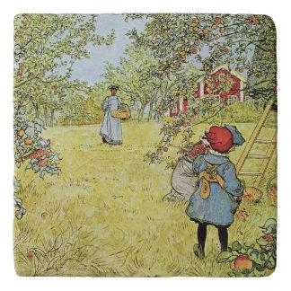 The Apple Harvest Trivet