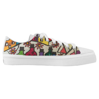 The bottle's city printed shoes