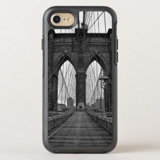 The Brooklyn Bridge in New York City OtterBox Symmetry iPhone 8/7 Case