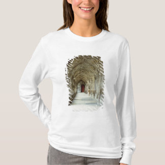 The Cloisters of Gloucester Cathedral, 12th centur T-Shirt