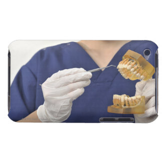 The dentist explained with a dental model iPod touch Case-Mate case
