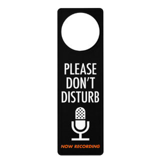 The door plate (concerning while recording come aw door hanger