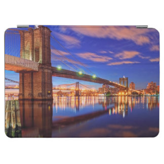 The East River, Brooklyn Bridge, Manhattan iPad Air Cover