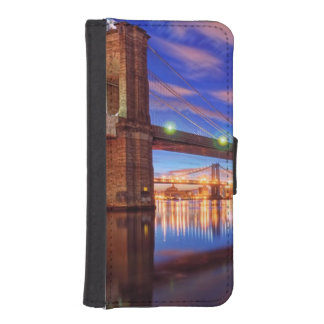 The East River, Brooklyn Bridge, Manhattan iPhone SE/5/5s Wallet Case
