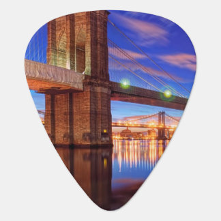 The East River, Brooklyn Bridge, Manhattan Plectrum
