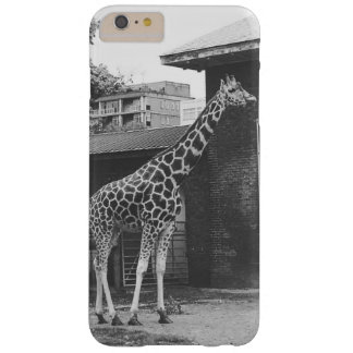 The giraffe in London phone case