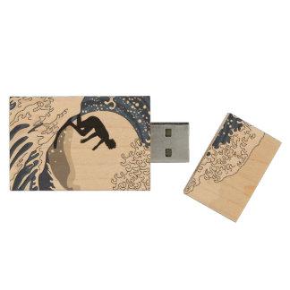 The Great Surfer of Kanagawa Wood USB 2.0 Flash Drive