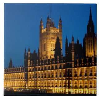 The Houses of Parliament at night in the city of Tile